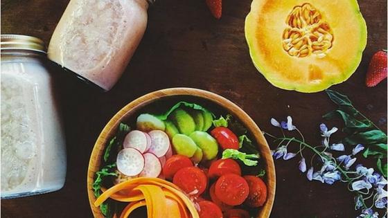 5 τροφές που μας κάνουνχαρούμενους